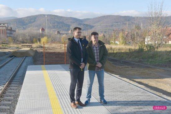 Pierwszy pasażerski pociąg w Bielawie