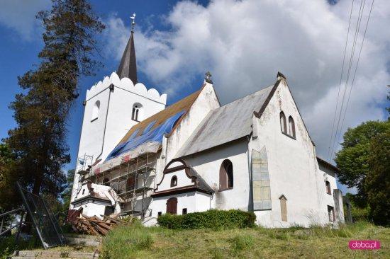 Remont sanktuarium w Kiełczynie w gminie Dzierżoniów