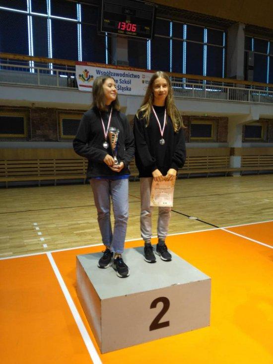 Uczennice Ekologicznej Szkoły Podstawowej nr 7 na Mistrzostwach Dolnego Śląska w dwuboju