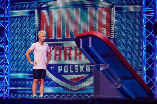 """Dawid Jarosz z Bystrzycy Kłodzkiej  na torze """"Ninja Warrior Polska"""""""