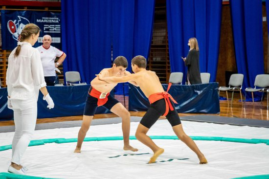 Wiktoria Szeliga zdobywa złoty medal w Mistrzostwach Polski Młodziczek w Sumo
