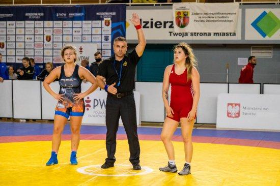 Roksana Łosyk zdobywa brązowy medal w Mistrzostwach Polski Seniorek w Zapasach