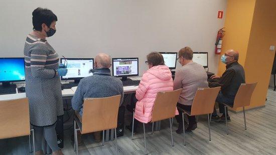 Trwa kurs komputerowy w Pieszycach