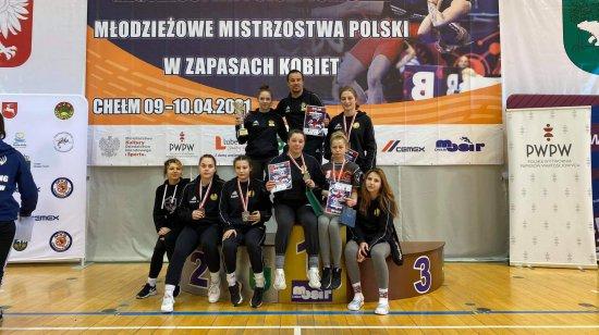 5 medali Mistrzostw Polski w zapasach dla zapaśniczek Juniora Dzierżoniów