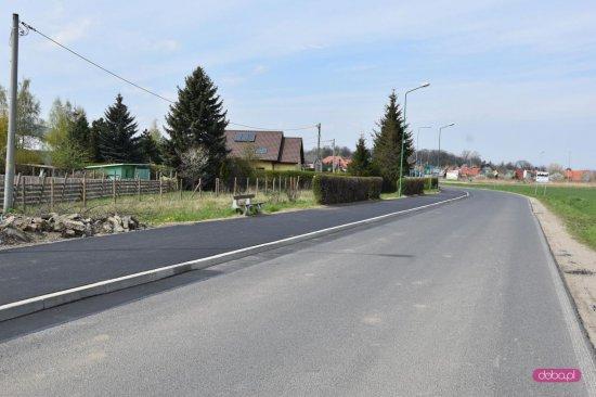 Chodnik przy ulicy Wojska Polskiego w Bielawie gotowy
