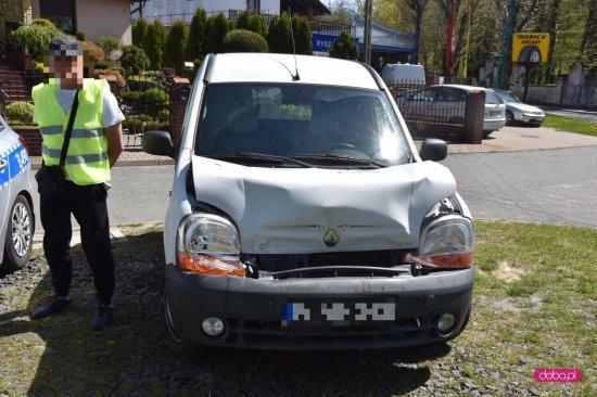 Zderzenie renault z volvo w Dzierżoniowie