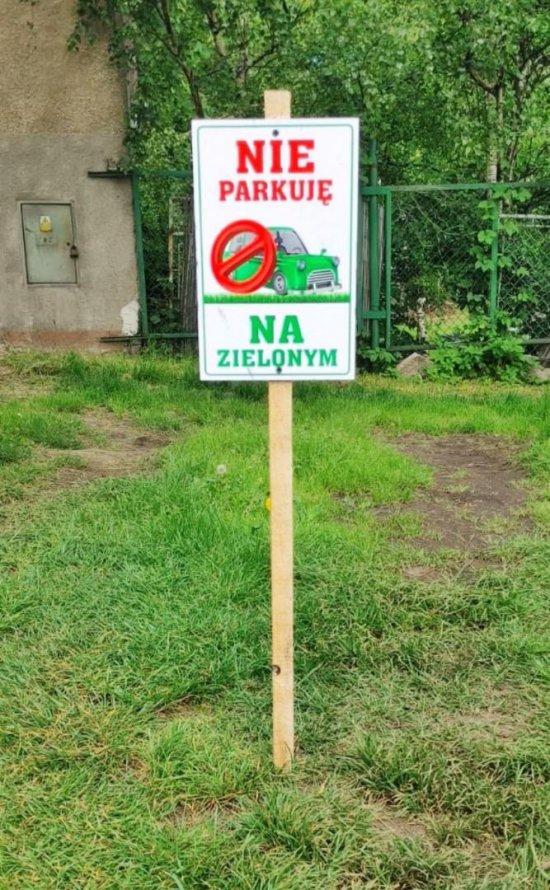 """Bielawa: """"Nie parkuję na zielonym"""""""