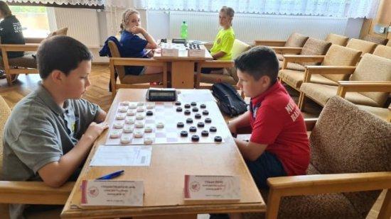 Złote Piony na Mistrzostwach Polski Juniorów