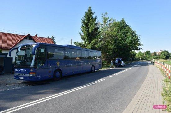 Zderzenie volvo z autobusem