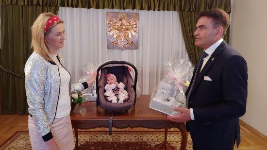 Wyprawki dla niemowlaków z Gminy Łagiewniki