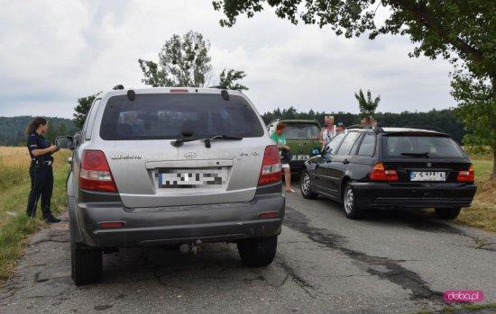 Zderzenie dwóch pojazdów na drodze Dzierżoniów - Łagiewniki