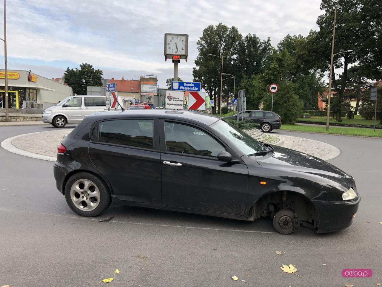 Alfa Romeo blokowała rondo