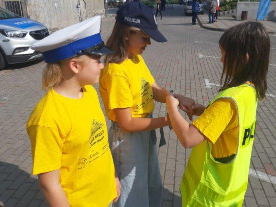 """Dzierżoniowska policja bierze udział w przedsięwzięciu """"Małe Miasto"""""""