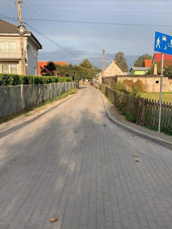 Nowa nawierzchnia na drodze w Mościsku