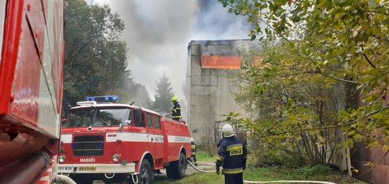 w Bartoszowicach w Orlickich Górach, gdzie 17 października doszło do pożaru hali, w której znajdowało się ok. 2800 bel siana.