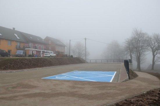Na Przełęczy Sokolej powstał nowy parking