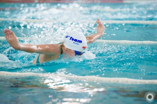 Sportowe rozpoczęcie wakacji. Pływacy HS Team Kłodzko zdobyli 24 medale [Foto]