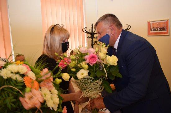 Rada Gminy Kłodzko podczas ostatniej sesji jednogłośnie udzieliła wójtowi wotum zaufania oraz absolutorium z tytułu wykonania budżetu za 2020 rok.