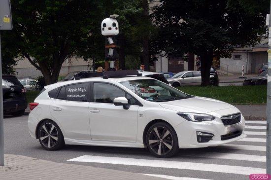 Samochody Apple w powiecie kłodzkim. Powstają zdjęcia do map