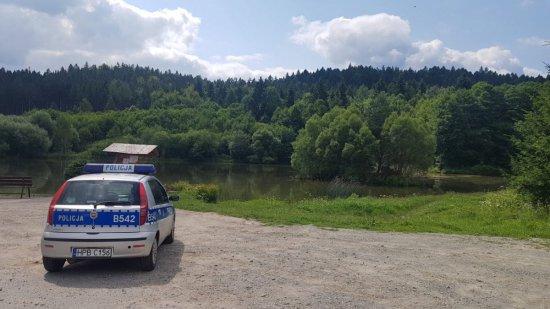 Policjanci systematycznie kontrolują akweny wodne w powiecie kłodzkim