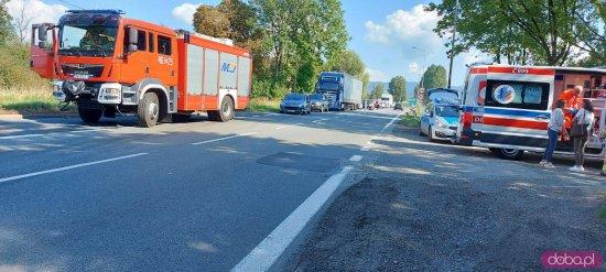 Zderzenie dwóch samochodów na DK-8 w Kłodzku