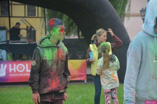 Szczytna znalazła się na największej w Polsce, kolorowej trasie Holi - Święto kolorów.