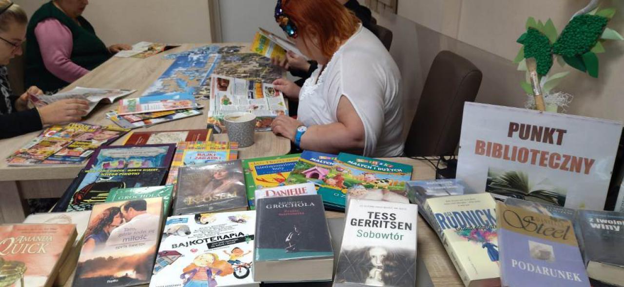 Punkt biblioteczny przy DPS w Podzamku wznowił działalność