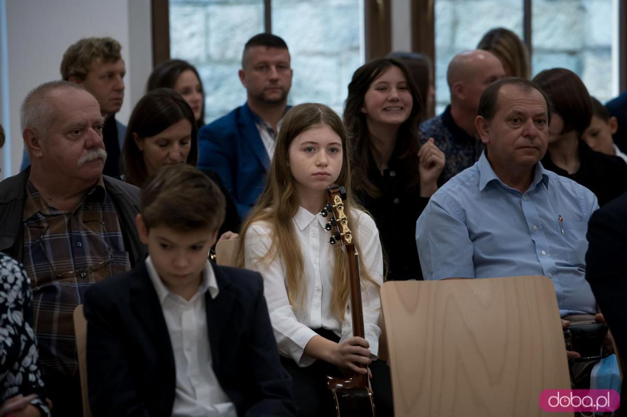 Stypendium LEONARDO Burmistrza Miasta Kłodzka za rok szkolny 2020/2021 [Foto]