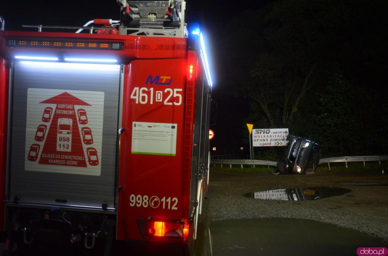 W wyniku zdarzenia poszkodowana została jedna osoba.