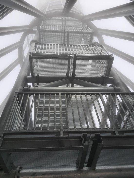 Zakończono budowę konstrukcji stanowej wieży na Śnieżniku