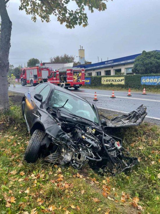 Nietrzeźwy kierowca uderzył w dwa samochody. Miał promil alkoholu w organizmie