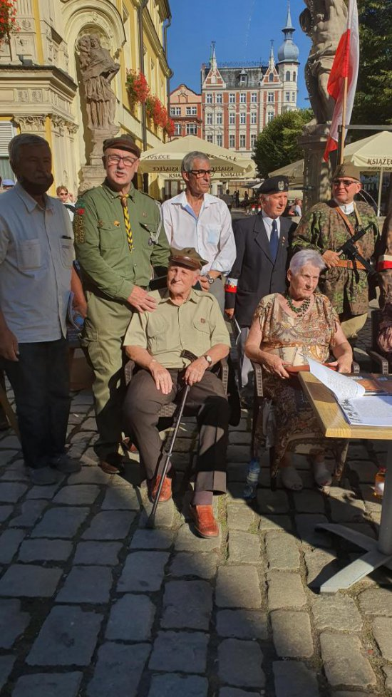 [FOTO] Uczcili pamięć o powstańcach