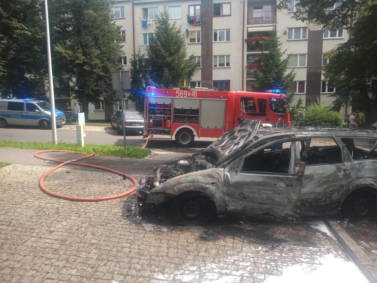 [FOTO] Pożar samochodu osobowego