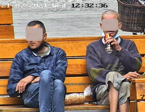 [FOTO] Piwo na ławce zakończone aresztem