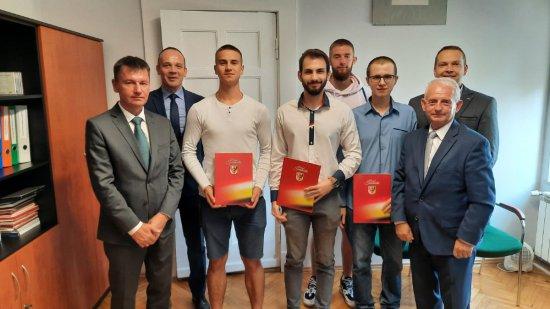 [FOTO] Nagrody Starosty Świdnickiego dla najzdolniejszych uczniów powiatu