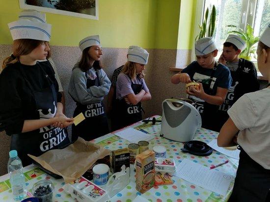 [FOTO] Gotowanie z liczbami w Szkolnym Schronisku Młodzieżowym w Lubachowie