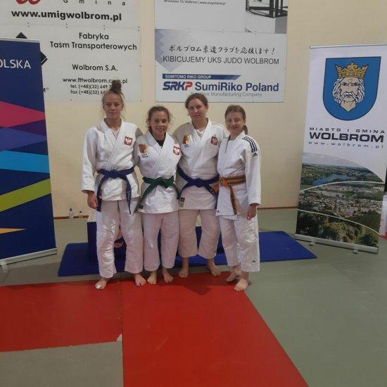 [FOTO] Dobry start judoczek AKS-u Strzegom w Wolbromiu