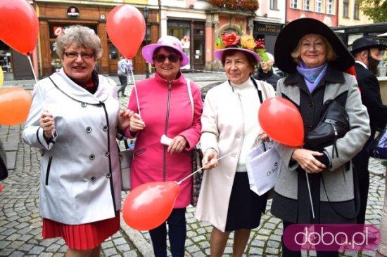 """[FOTO, WIDEO] """"Parada Uśmiechu"""" oficjalnie otworzyła XVI Dni Seniora 2021"""