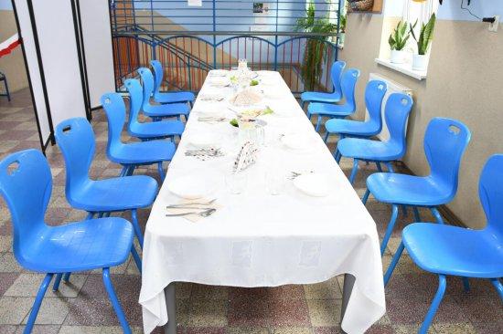 Otwarto zmodernizowaną jadalnię w Szkole Podstawowej im. K.K. Baczyńskiego w Strzelcach