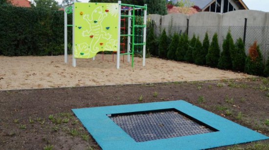 [FOTO] Otwarto nowoczesny plac zabaw w Nowicach