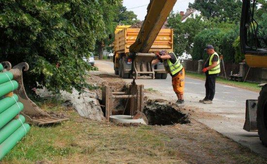 [FOTO] Budowa oczyszczalni i sieci kanalizacyjnej w gminie Dobromierz zakończona