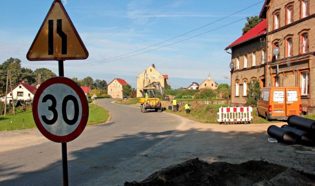 [FOTO] Będzie chodnik w Dzierzkowie