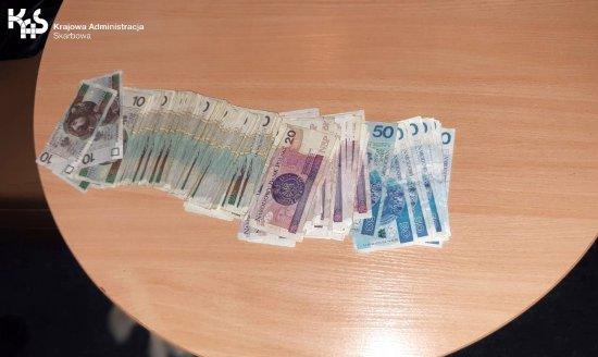 We wrześniu dolnośląska KAS zlikwidowała 25 nielegalnych automatów do gier hazardowych