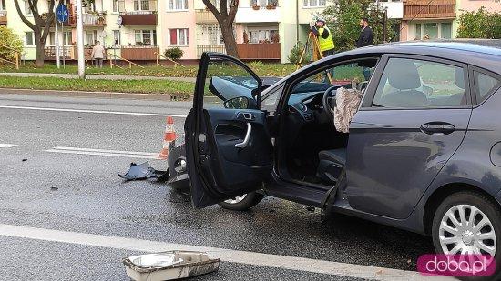 [FOTO] Zderzenie pojazdów na skrzyżowaniu Zamenhofa i Skłodowskiej w Świdnicy