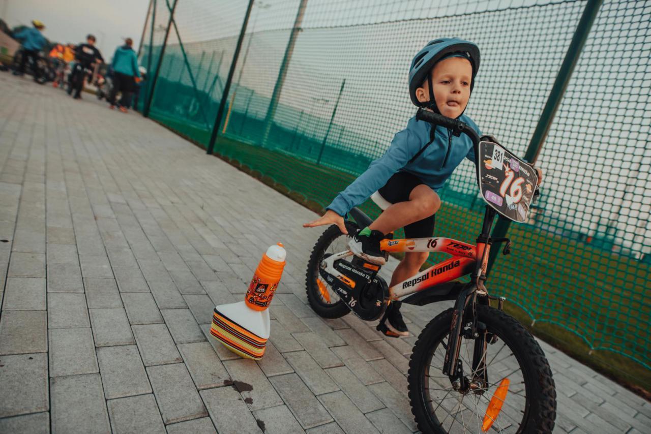 14.10. Zajęcia sportowe dla dzieci w Świebodzicach - trening rowerowy