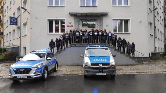 Czarny protest w świdnickiej Komendzie Policji