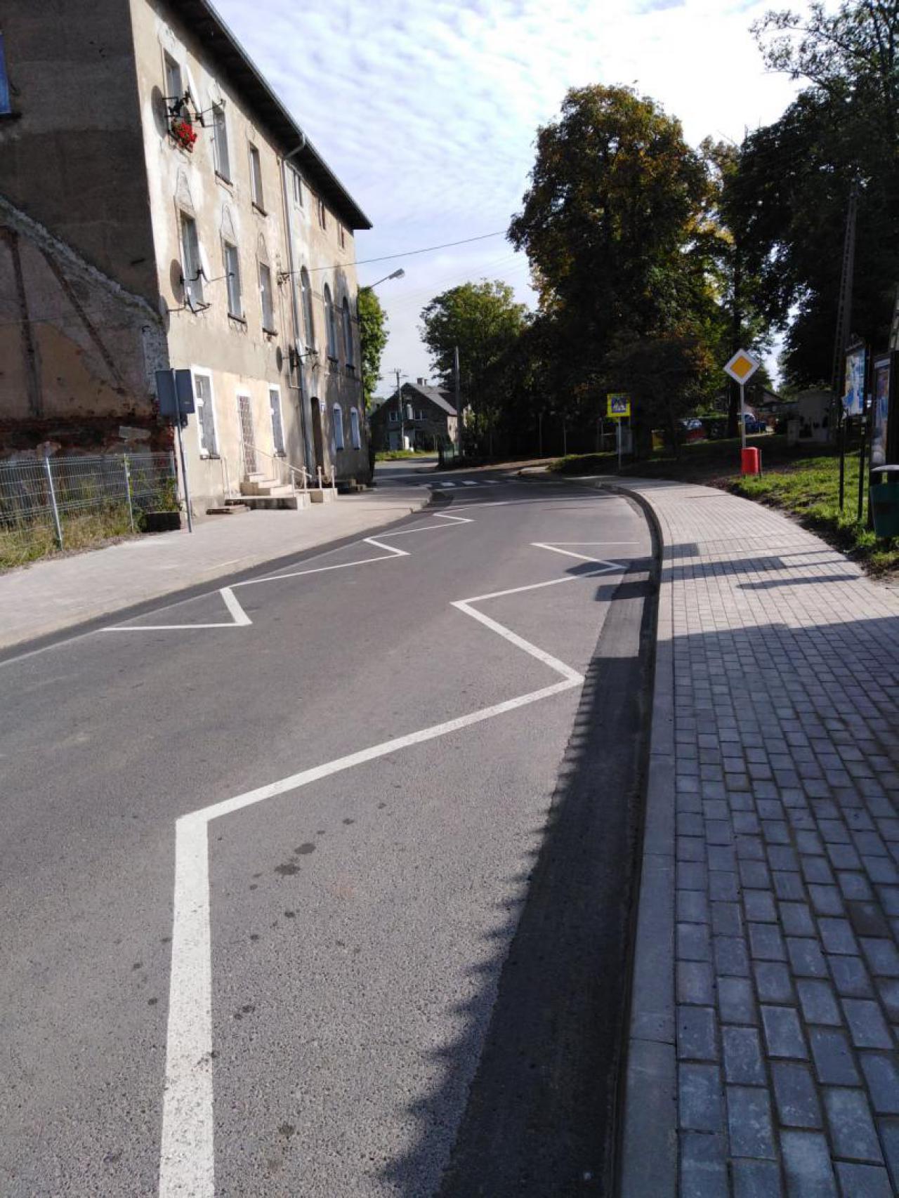 Nowy chodnik w Boguszowie-Gorcach