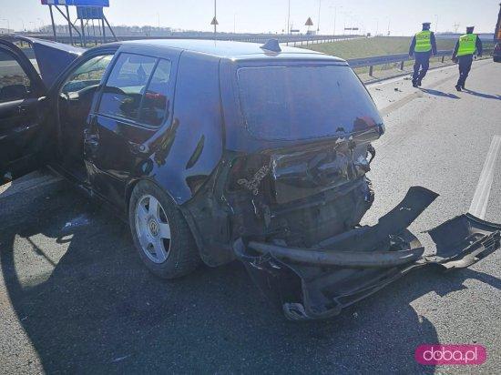 AOW: Nietrzeźwy kierowca ciężarówki najechał na osobówkę
