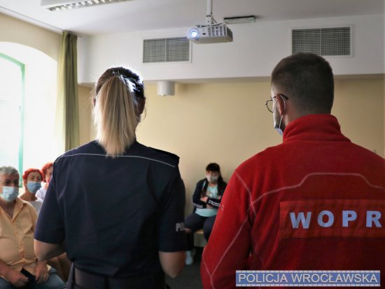 Mundorowi z komisariatu na Ołbinie spotkali się z mieszkańcami