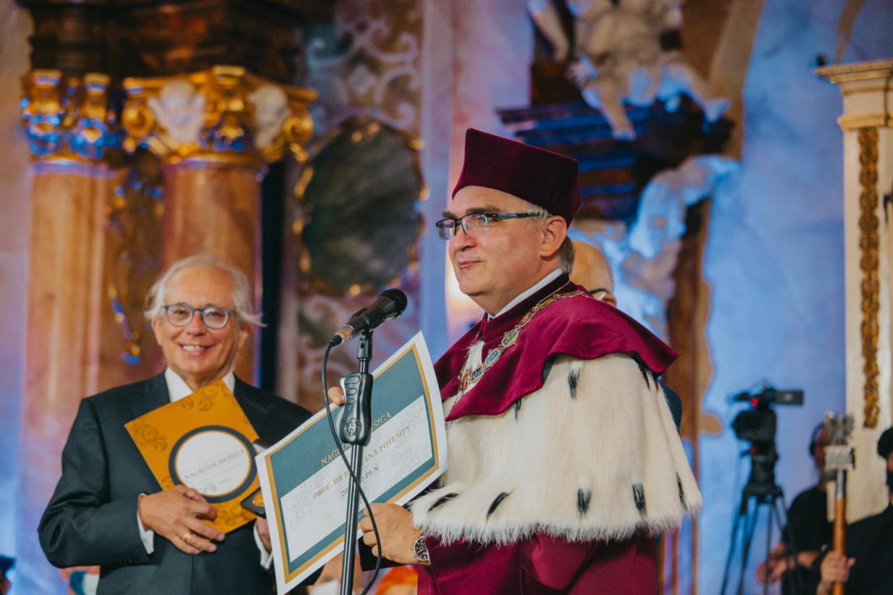 Nagroda Heisiga dla prof. Potempy za badania przełomowe w zrozumieniu choroby Alzheimera